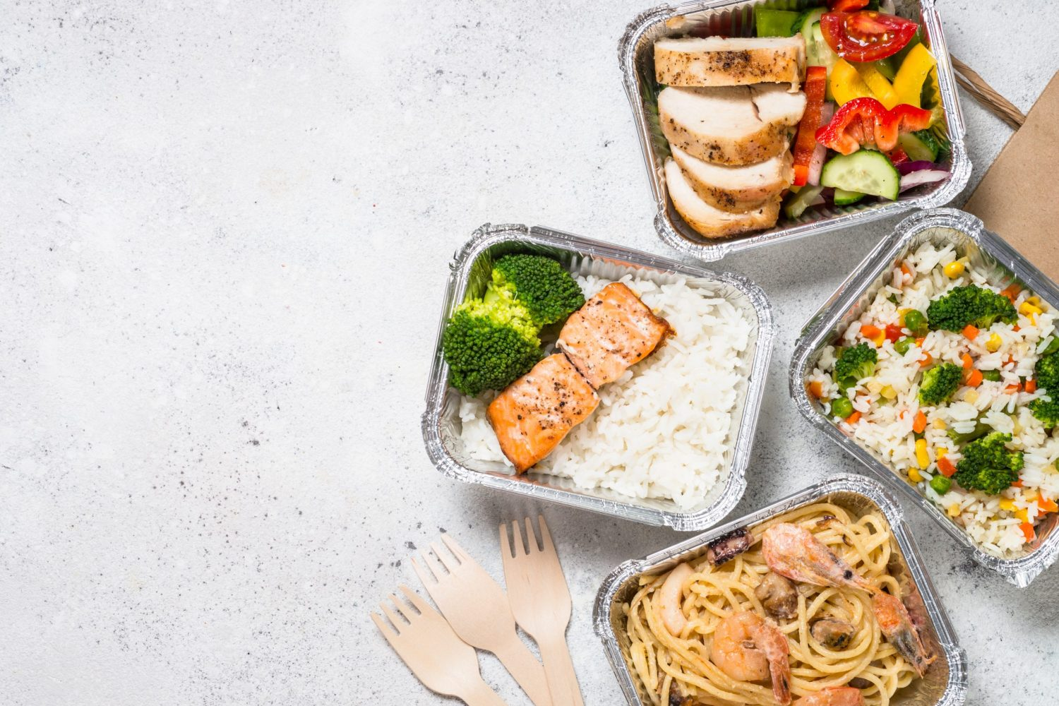 food delivery concept healthy lunch in boxes U3ZP847 scaled